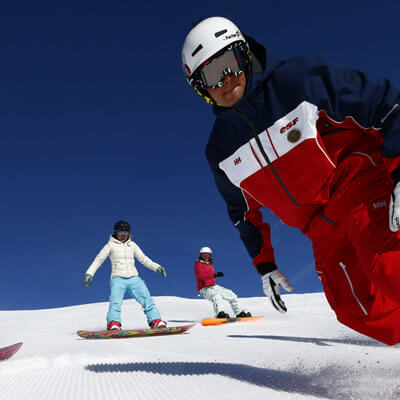 Discover the sensation of snowboarding formiguères