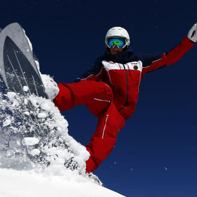 Discover the joys of the powder with snowboarding
