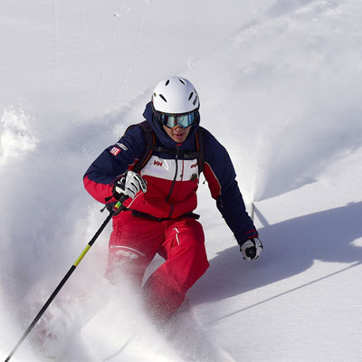 Hit the slopes benefiting from the expert advice of our freeride ski instructors